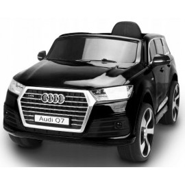 Audi Q7 12V juoda