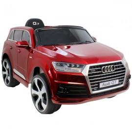 Audi Q7 raudona DELUX